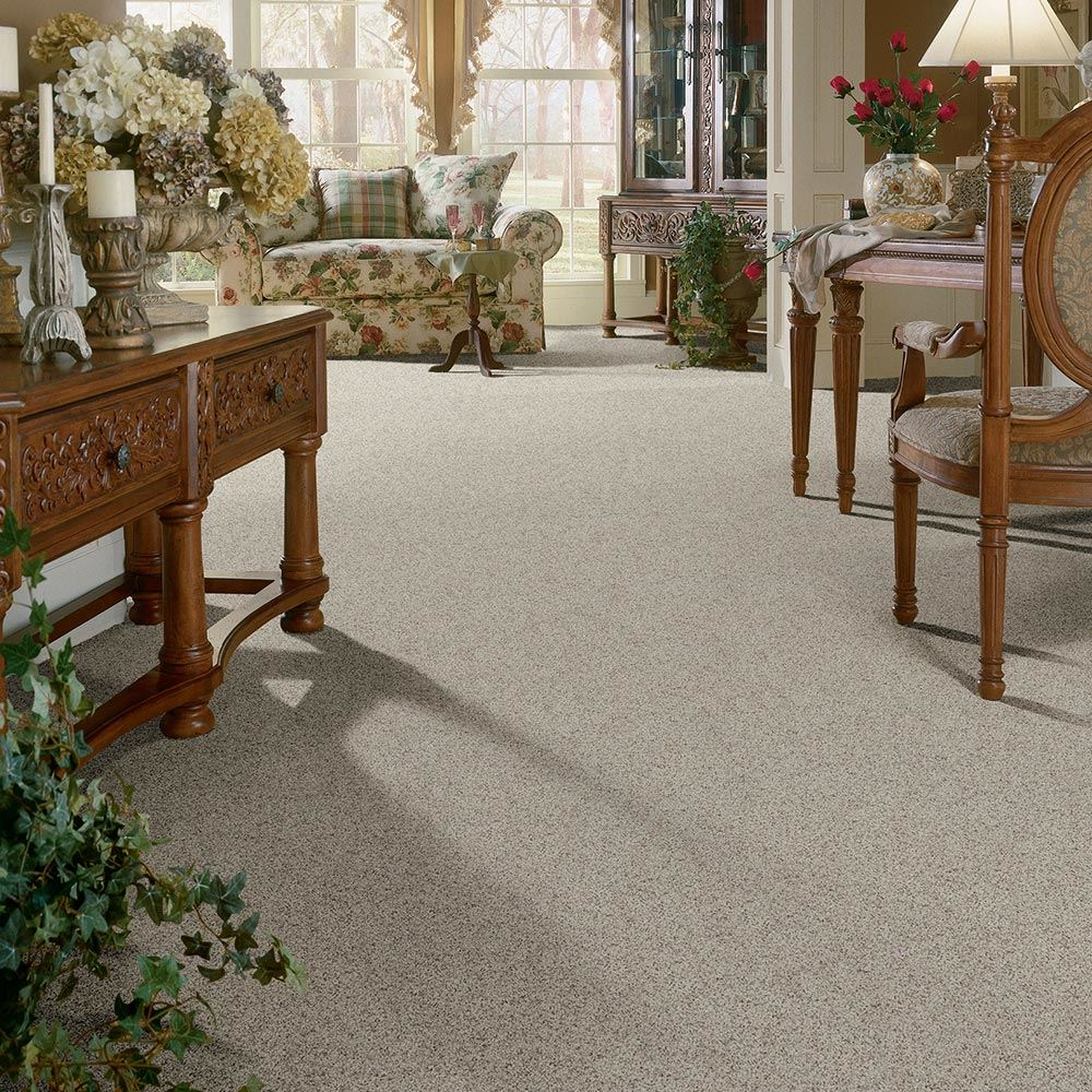 Royal Court Ladies Lace Carpet